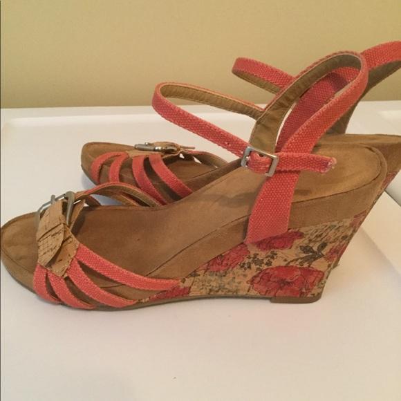 1e064f59c6 AEROSOLES Shoes | Ladies Size 9 Pretty Floral Sandals | Poshmark